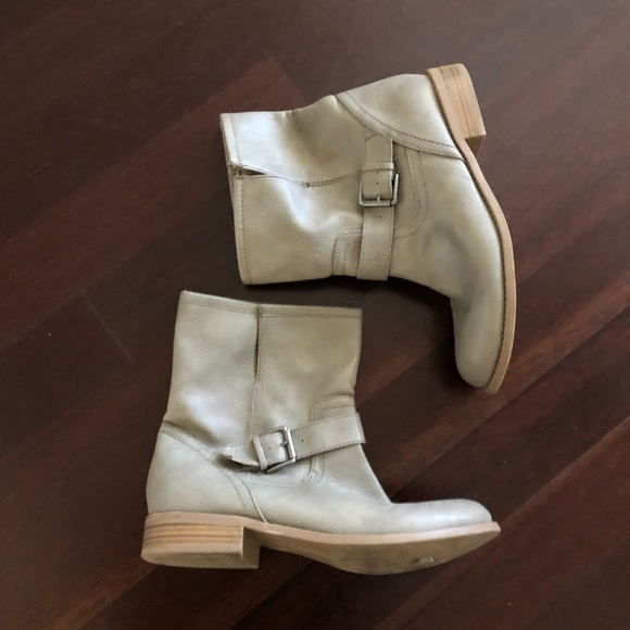 Old Navy Shoes - Old Navy gray neutral faux leather ankle boots